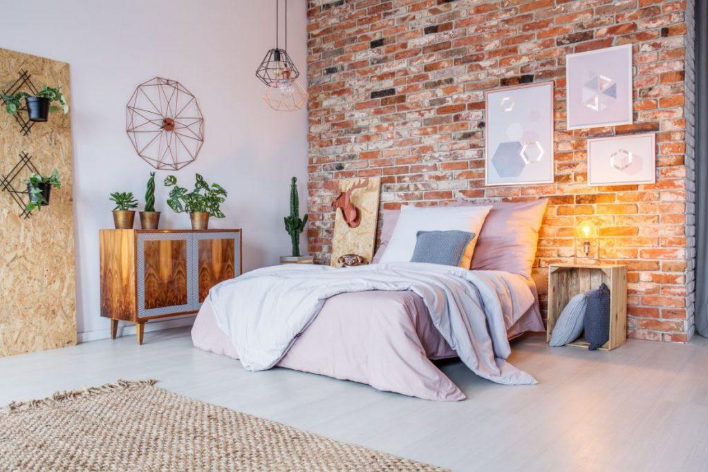 Créer un style industriel en associant nouveau et ancien style pour chambre